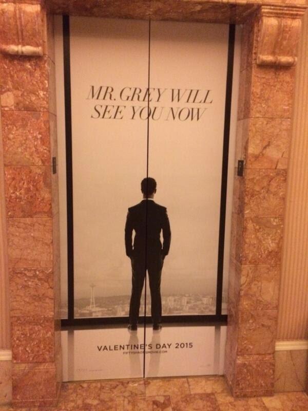 Elevador personalizado con el poster de 50 Sombras en el CinemaCon!!