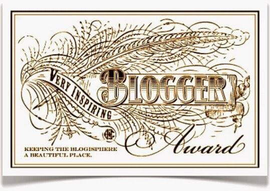 Premio Very Inspiring Blogger Award a La Letra Insondable