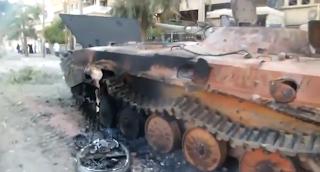 الجيش الحر يدمر مدرعة اسدية في دير الزور 14-6-2012