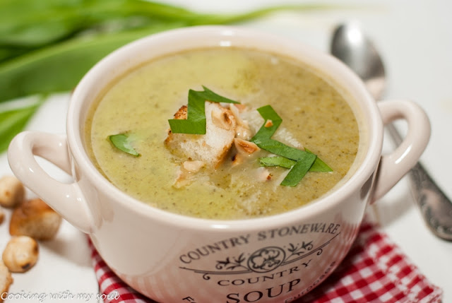 Supa crema de broccoli cu leurda
