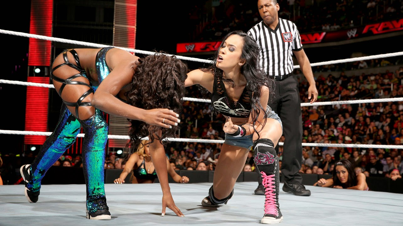 AJ Lee vs. Naomi in a Lumber Jill Match - WWE Raw