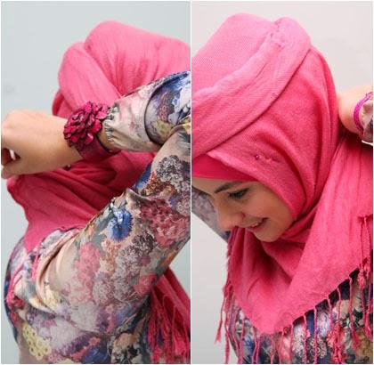 langkah 3 Cara memakai jilbab Pashmina Kreasi dengan aksen topi