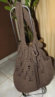 Bolsa-mochila escolar de crochê