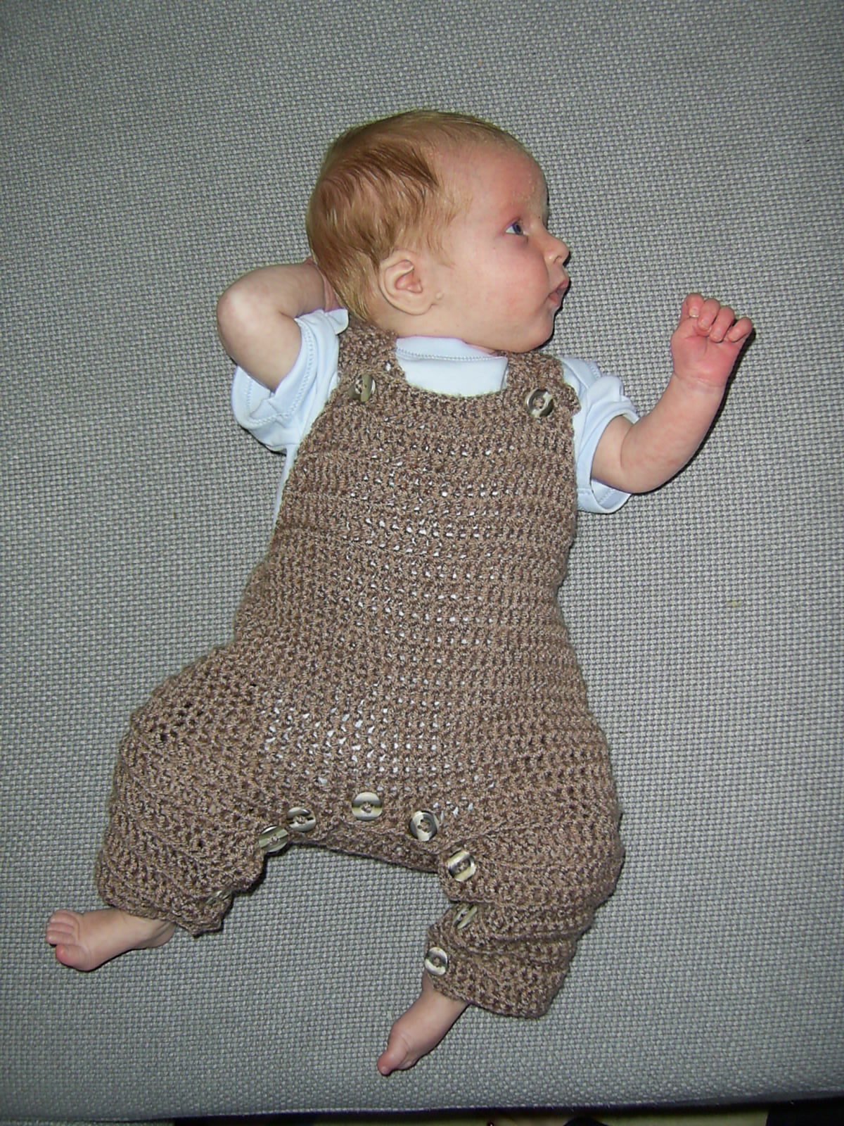 Crochet Baby Overall Patterns : Mauv is Crafty: Crochet dungarees - free pattern!