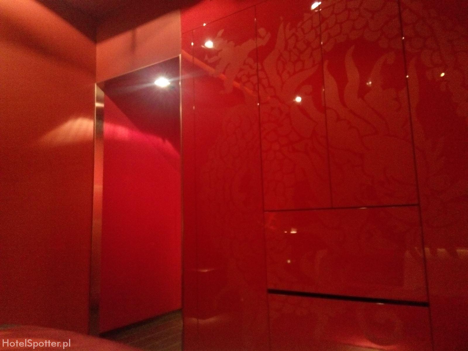 Buddha-Bar Hotel Budapest red walls