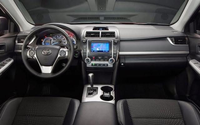 Toyota Camry 2013 interior