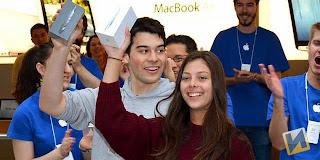 Pemilik iPhone 5 Pertama di Dunia