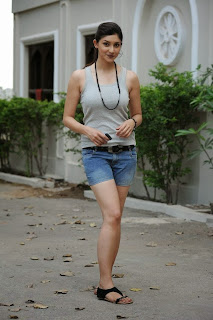 Actress Tanvi Vyas  Picture Gallery in Nenem Chinna Pillana Movie 0016.jpg