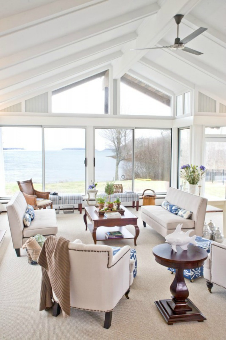 Coastal home spotted from the crow 39 s nest beach house for Maine home and design