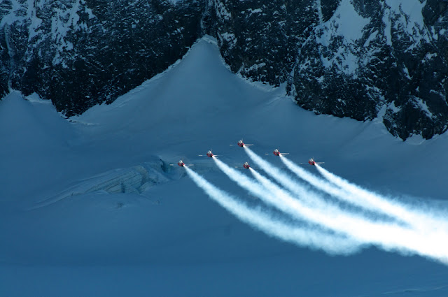 snowy Patrouille Suisse f-5