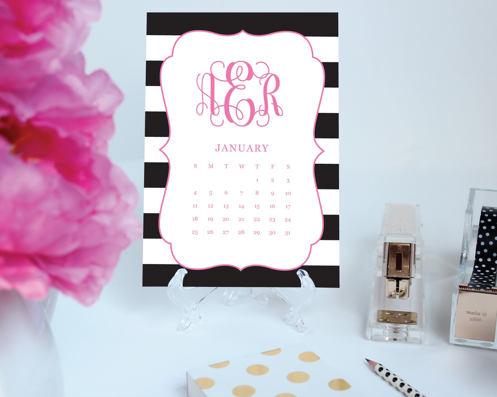 Super cute pritnable desk calendar! You pick the pattern, colors, font, and border! thepreppygreek.etsy.com