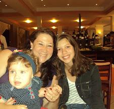 Eu e minhas duas filhas Beatriz de 11 anos e Alicia de 1 ano