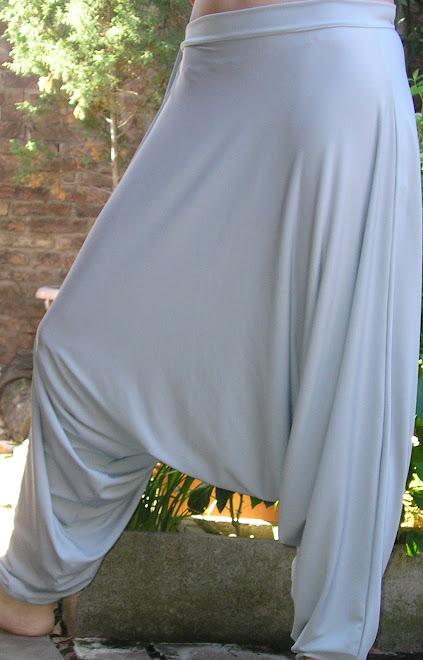 Chiripá en seda fría gris claro