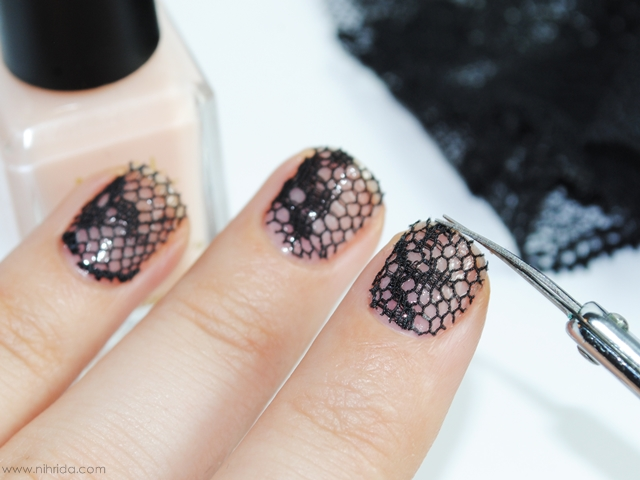 How To: Lace Manicure