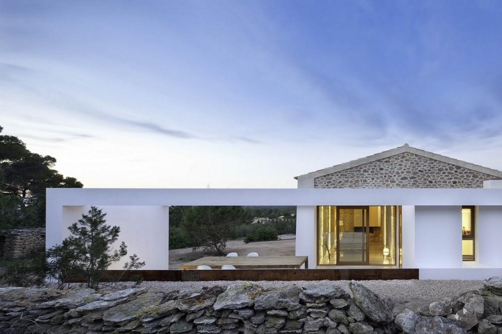 Living in designland can manuel de n corda vivienda r stica for Case minimaliste moderne