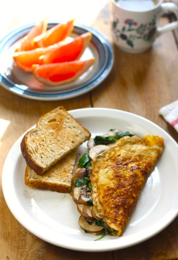Spinach & Mushroom Omelete Recipe with Turmeric by SeasonWithSpice.com