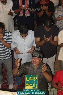 gambar Jutaan Penyokong Dr Morsi Mendirikan Solat Terawih  Di Dataran Rabiatul Adawiyah