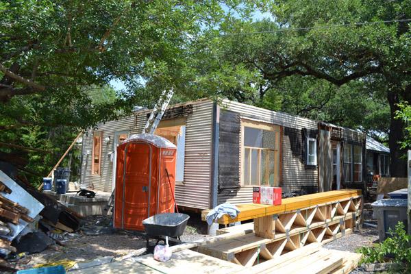 Merzbau Design Collective Une Petite Maison Demolition