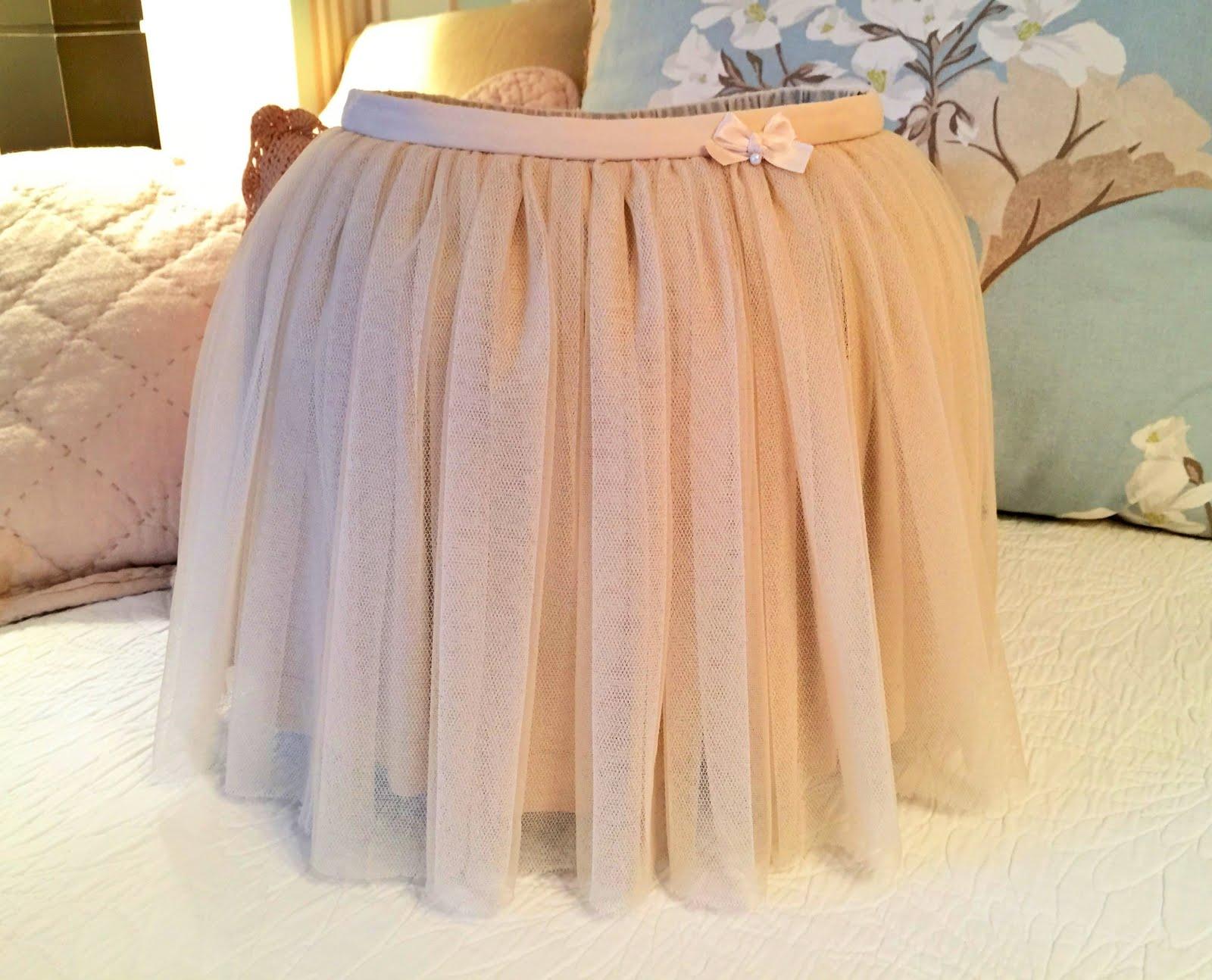 Falda de tul beige