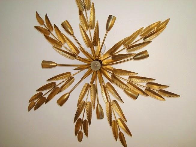 Lampara vintage de hojas doradas