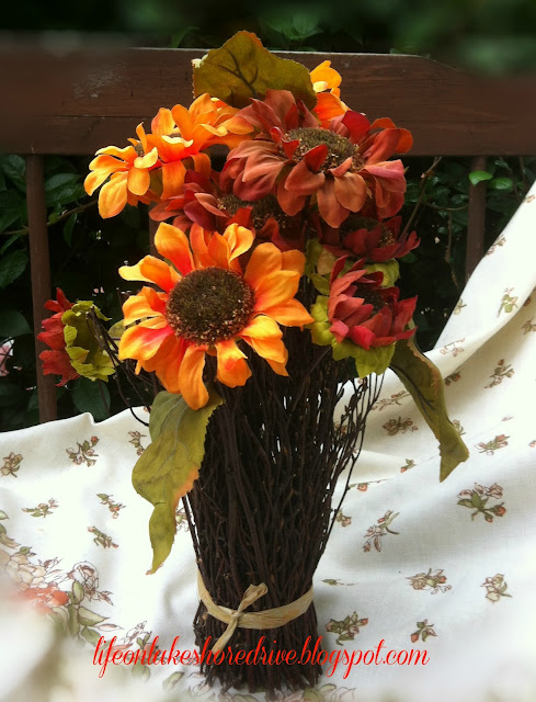 "alt=""diy sunflower topiary"""