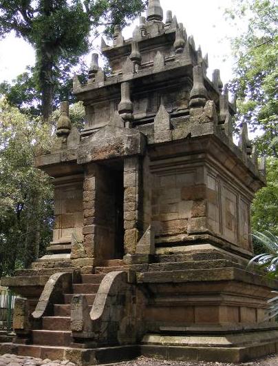 Tempat Wisata di Garut Candi Cangkuang