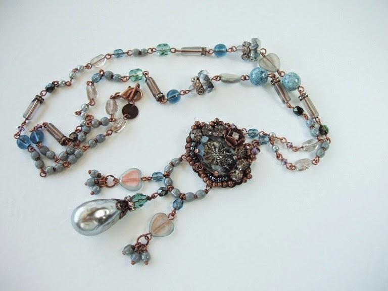 Vintage stiilis ehted kaelakee hall Eesti mdmButiik Collier perles ancienne de verre Halskette