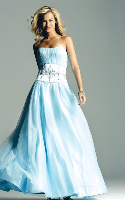 White wedding dresses with blue : Wedding decorations dream blue and white dress