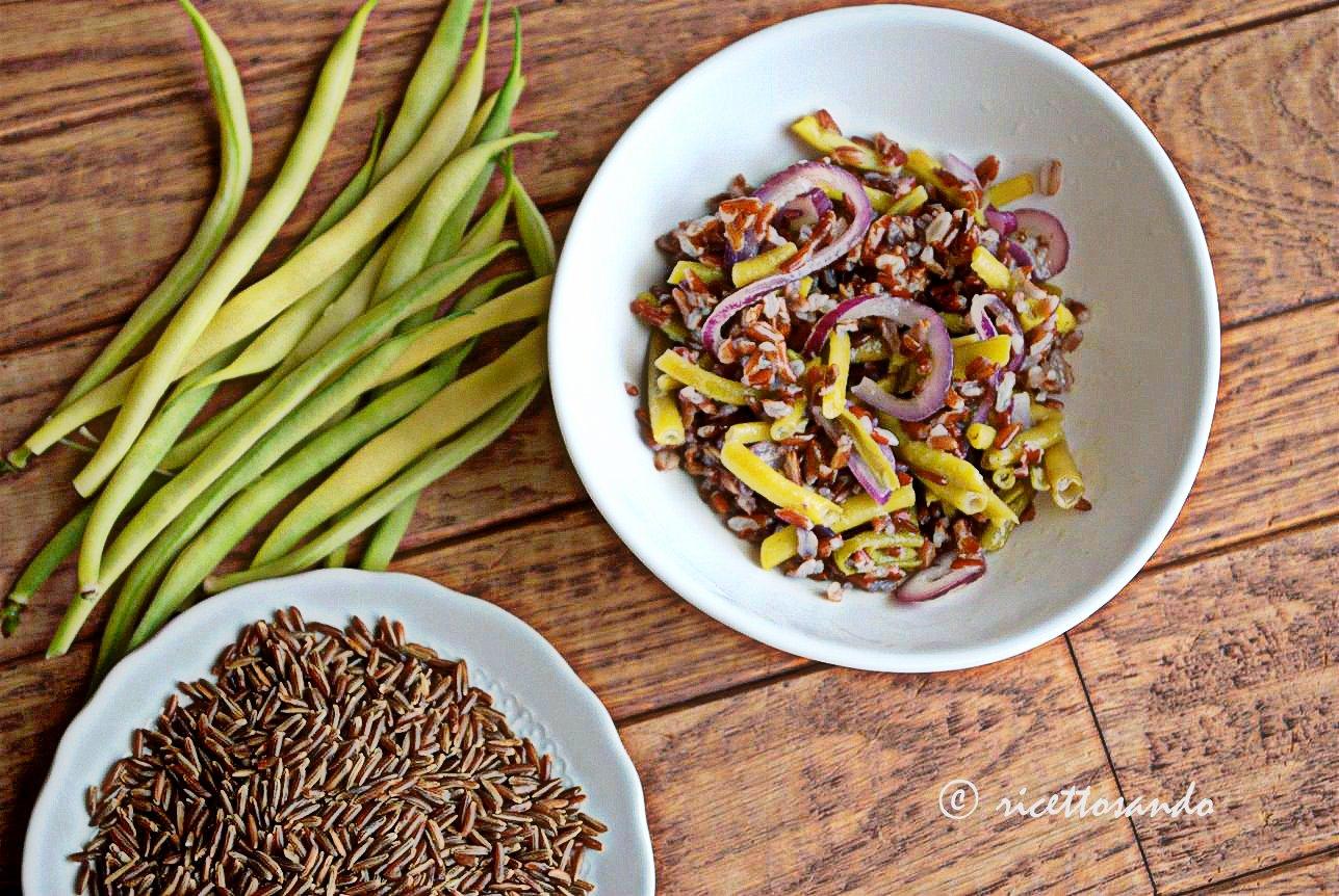 Riso rosso e tante verdure per un' insalata light e le proprietà del riso rosso
