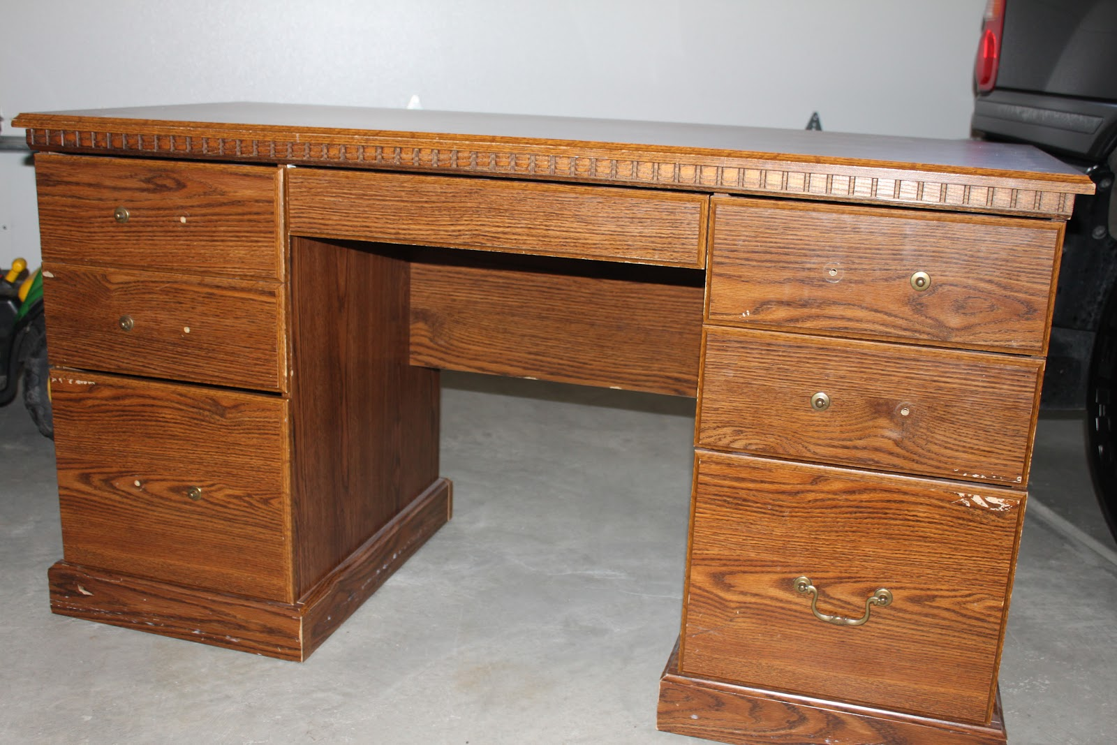 Amy 39 s casablanca desk redo for Redo furniture