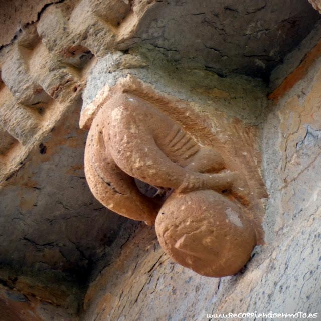 Canecillo erótico Sta Marta de Tera