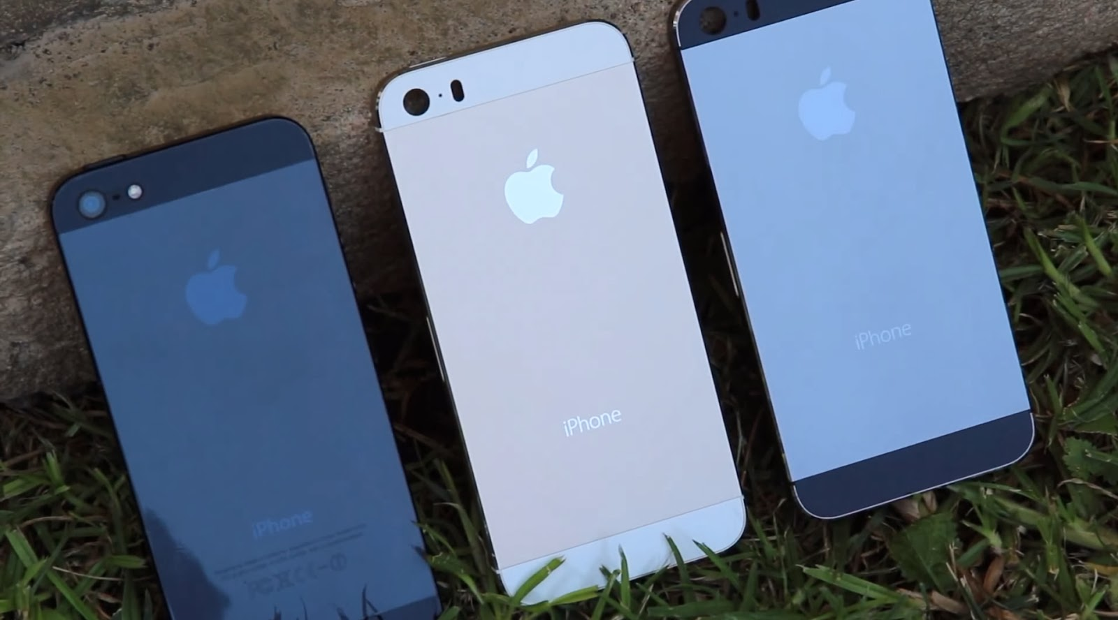 Iphone 5s And 5c Debut In India Reliance Offering It For Free Se 16 Gb Grey The Users Are Going To Get 16gb A Zero Upfront Payment Place They Will Have Pay Around Rs 2500 2800 Per Month