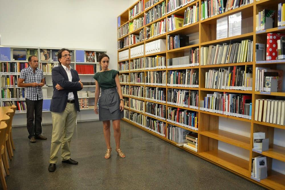 Una reseña sobre la Biblioteca de Arte en el TEA