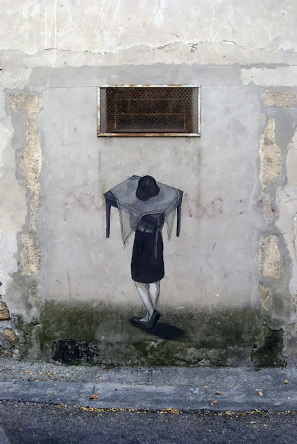 Street Art Mural Painted By Hyuro On The Streets Of Arles, France. 3