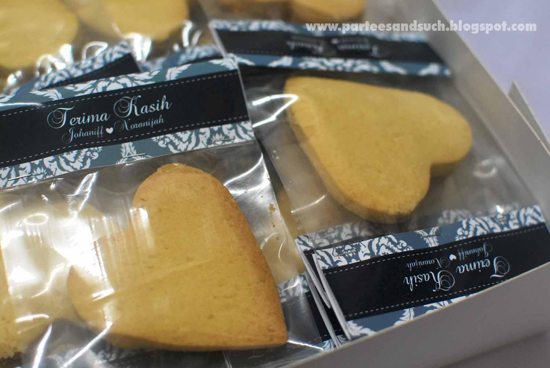 Cookies For Wedding Door Gift : ParTeeS: Cookies for Johannif wedding door gift