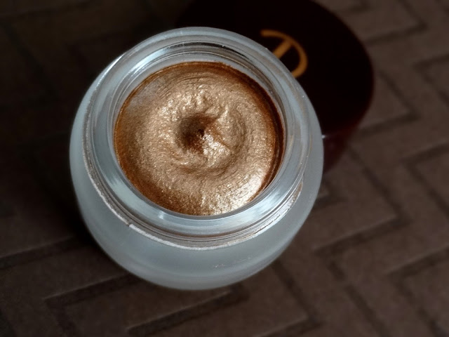 Charlotte Tilbury Eyes To Mesmerise Long Lasting Cream Eyeshadow in Bette
