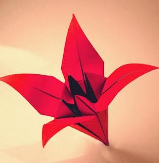 http://translate.googleusercontent.com/translate_c?depth=1&hl=es&rurl=translate.google.es&sl=en&tl=es&u=http://www.origami-fun.com/origami-lily.html&usg=ALkJrhh_mR0d3TL4kDrYxK1LGhJyQN4S6g