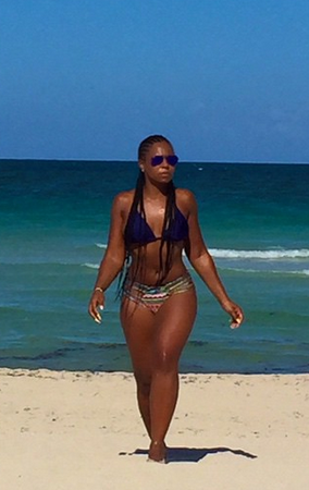 Ashanti Puts Her Hot Bikini Body On Display