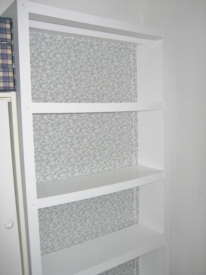 Antes y despu s de la estanter a de sagri - Empapelar muebles ...