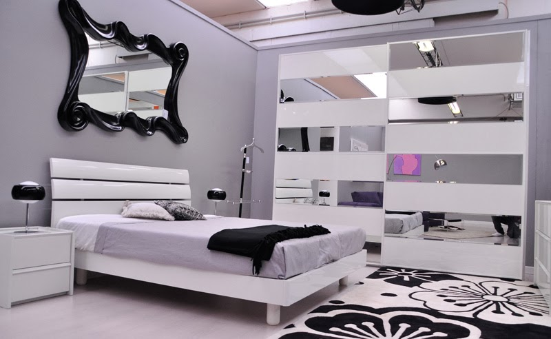 La casa in vetrina arredamento il total white for Camera da letto total white