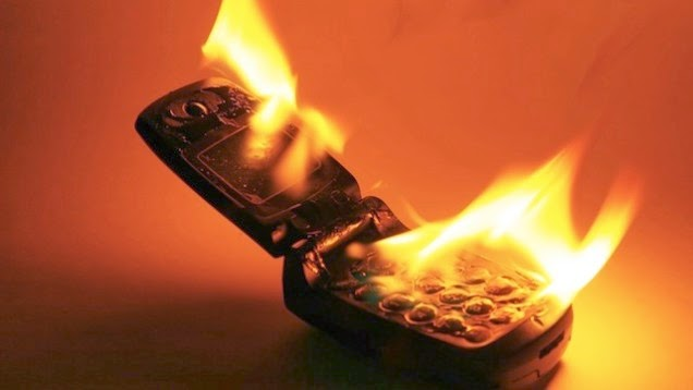 Selfish dickhead driver's phone bursting into flames after being zapped!