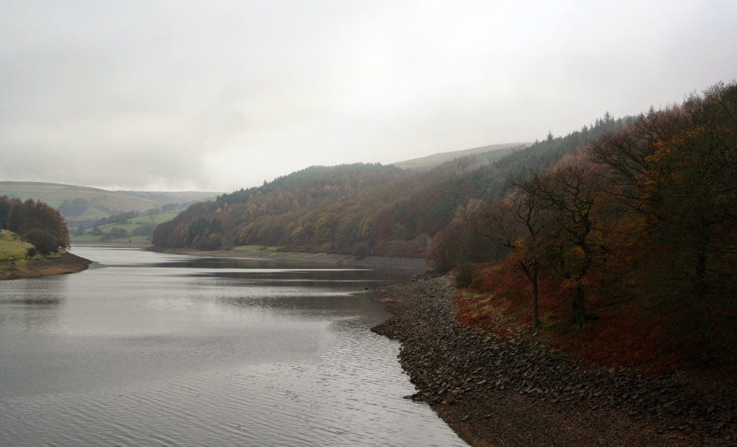 Gorgeous colours, but the reservoir is very low
