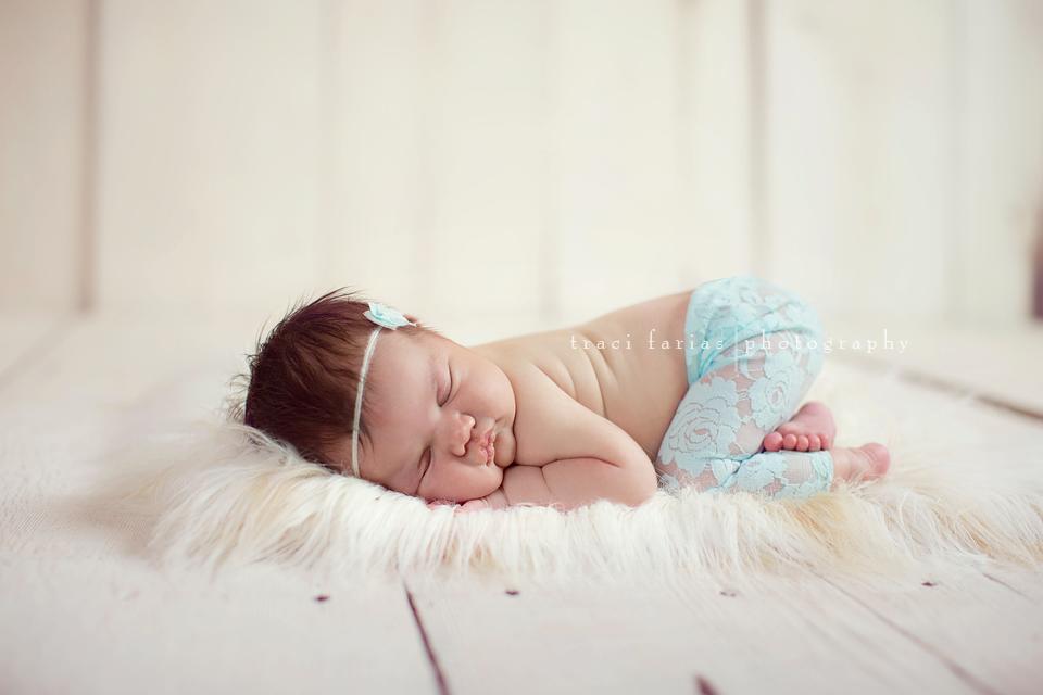 Traci farias newborn photographer newborn mini session visalia tulare central valley photographer