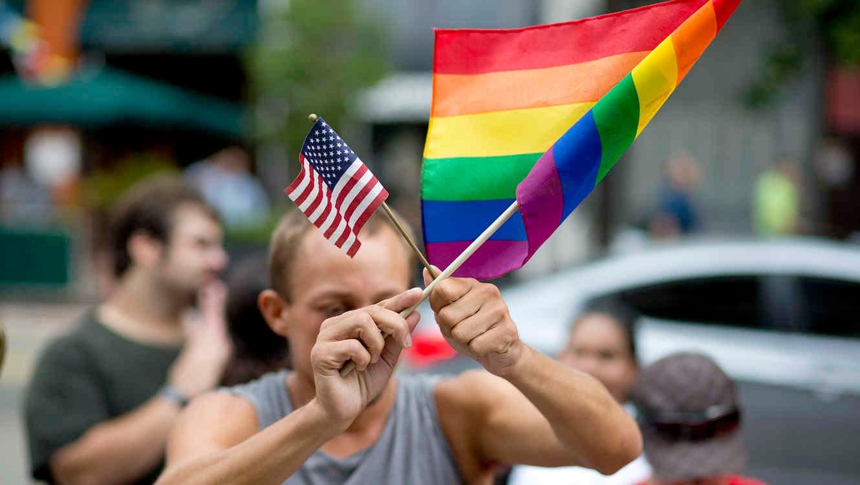 N indios americanos y del mismo sexo