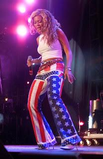 Beyonce in 2001 1.jpg