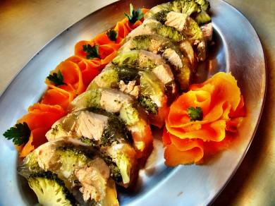 Łosoś z brokułami.