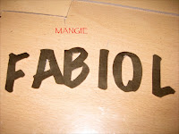 Letras en papel recortadas