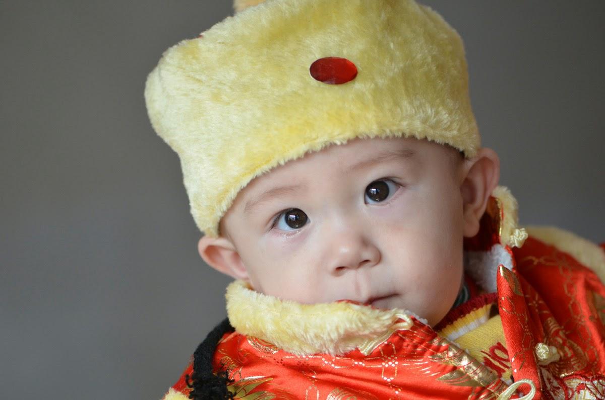 Wallpaper bayi ganteng asal cina