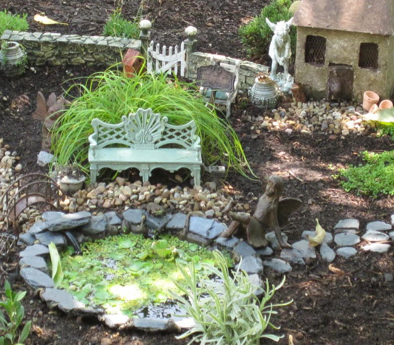 1000 images about miniature ponds on pinterest for Miniature fish pond