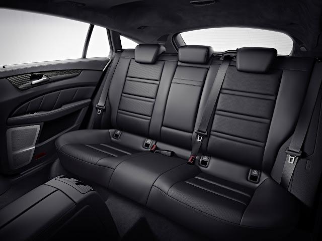 задние пассажирские сидения в Mercedes-Benz CLS 63 AMG Shooting Brake 2013